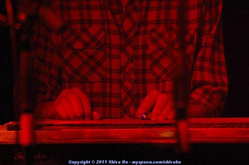 b4b2011-10-07n-245Medium.JPG