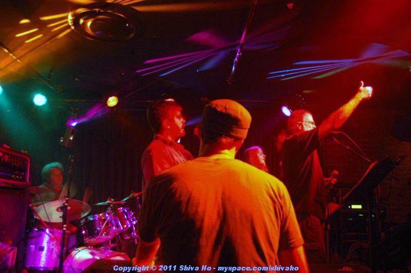 b4b2011-10-07n-292Medium.JPG