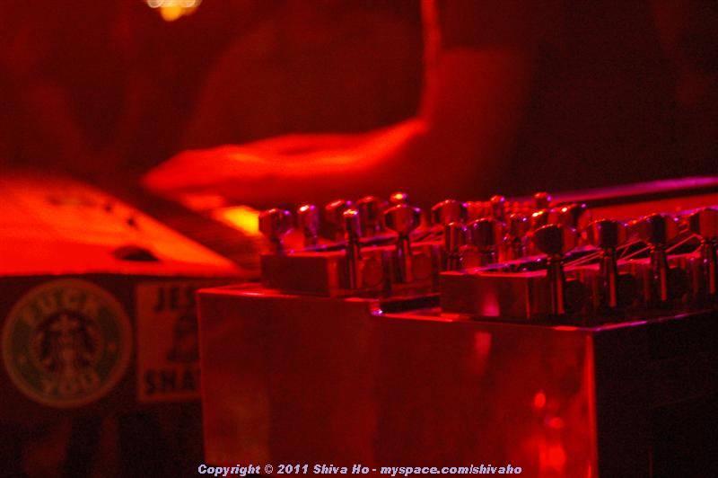 b4b2011-10-07n-300Medium.JPG
