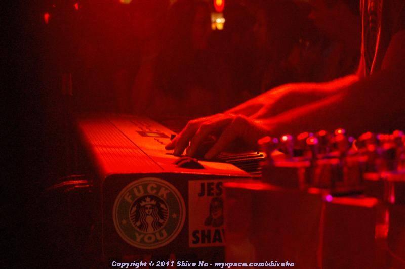 b4b2011-10-07n-306Medium.JPG
